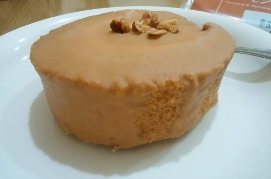 キャラメルとアーモンドのケーキ