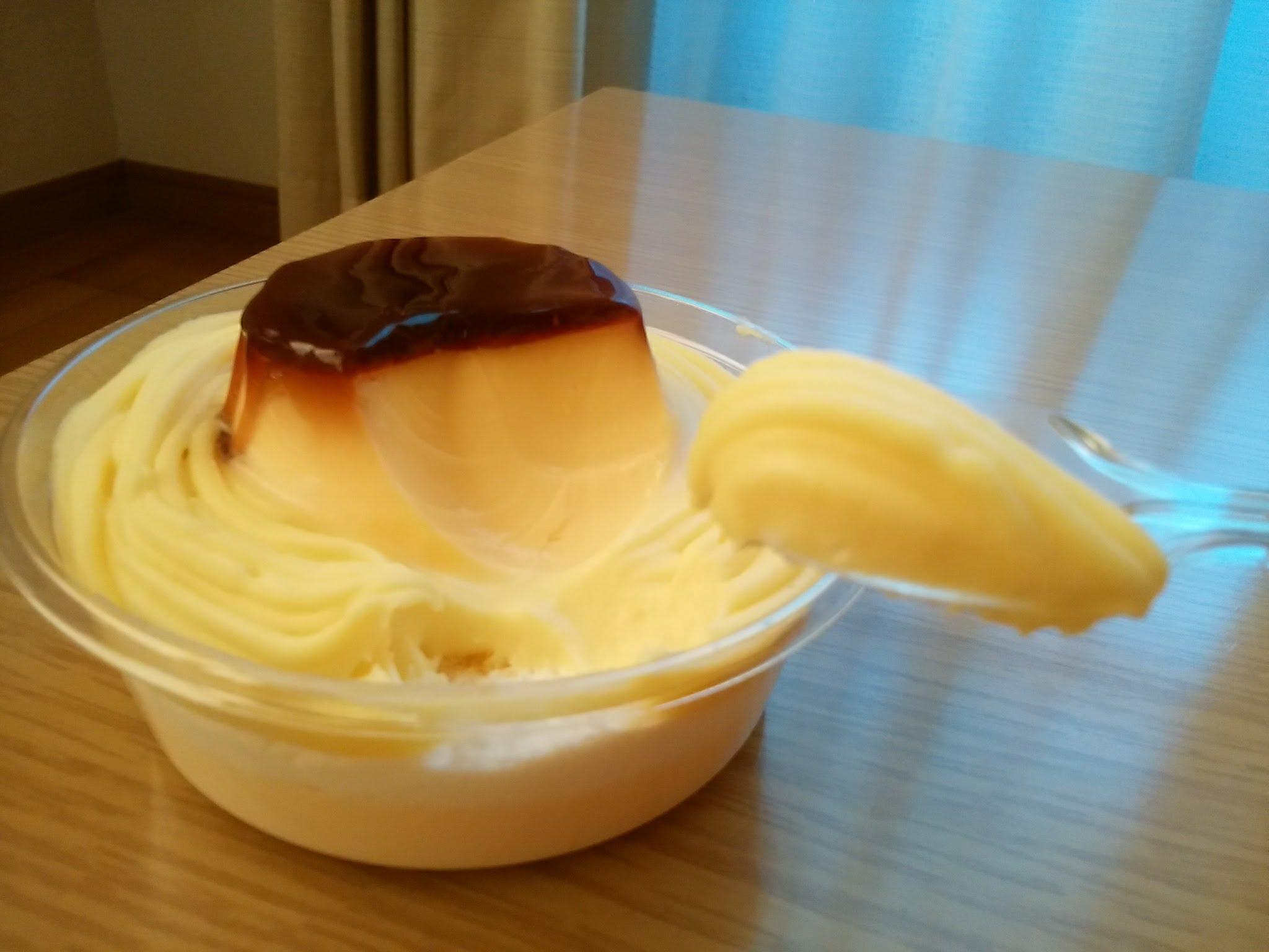 お芋のモンブランプリンパフェ